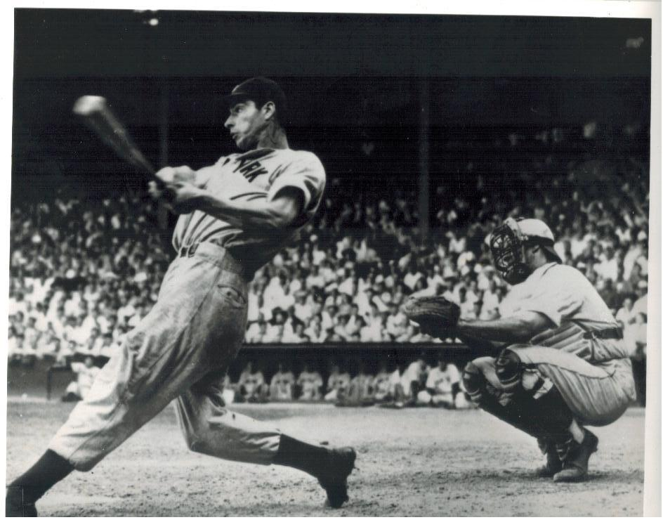Primary image for Joe Dimaggio QP New YorkYankees Vintage 11X14 BW Baseball Memorabilia Photo