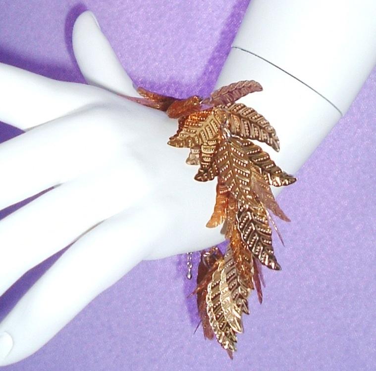 Leaf bracelet gold