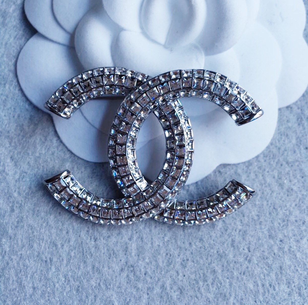 chanel jewelry org front brooch crystal sale l cc pin for in id channel box brooches at baguette v