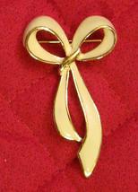 "Vintage 1980's BEAUTIFUL 2 1/2"" long Winter White Bow Pin / Ribbon Brooch  - $19.75"