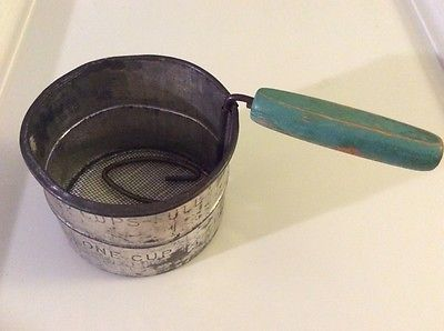 Primary image for Vintage 2 Cup Metal/Tin Flour Sifter Swivel Wooden Handle