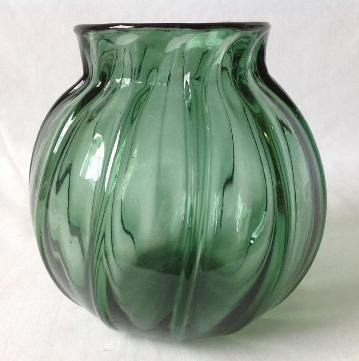 Primary image for Vintage Hand Blown Green Glass Ribbed Optic Bowl 6.75""