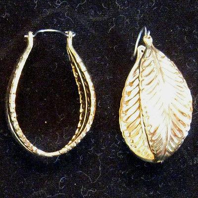 Vintage 1990s Leaf Shape HOOP EARRINGS Bold Gold Tone Nickel Free pierced ears - $17.77