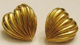 Vintage 1990s GOLD Tone Wavy PLEATED HEART Pierced EARRINGS 5/8 inch Nic... - $12.82