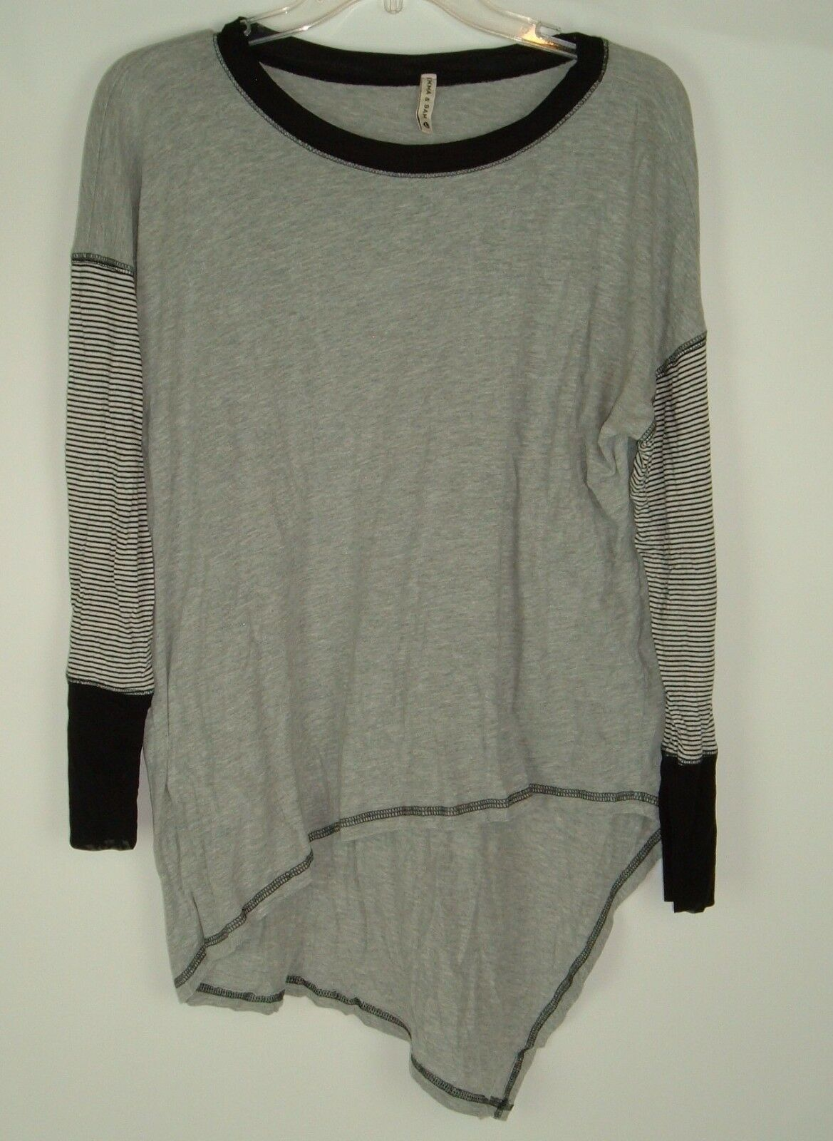 Emma Sam Sz L Gray Asymmetrical Pullover Knit Top Long sleeve Casual lagenlook