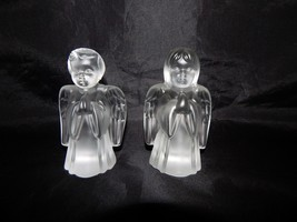 Fenton Glass Frosted Boy and Girl Angels Pair - $17.82