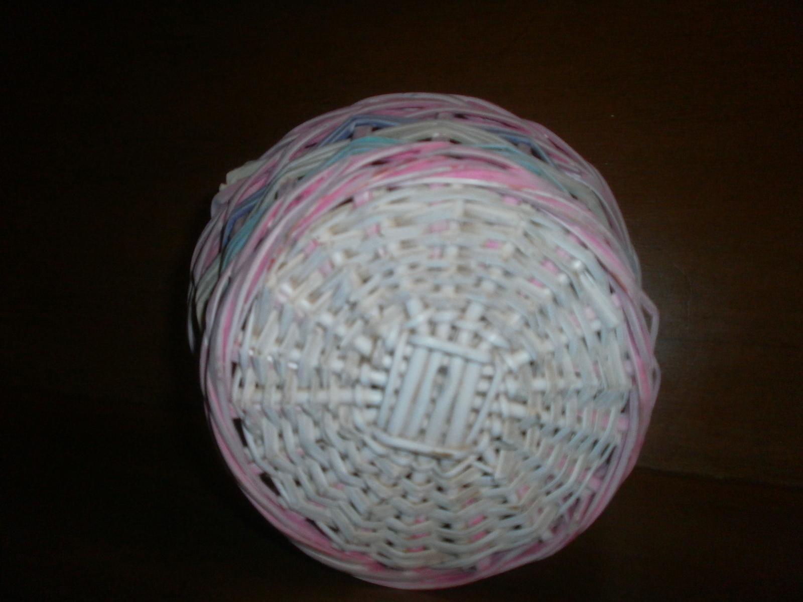 wicker basket white and pastel colors baskets. Black Bedroom Furniture Sets. Home Design Ideas