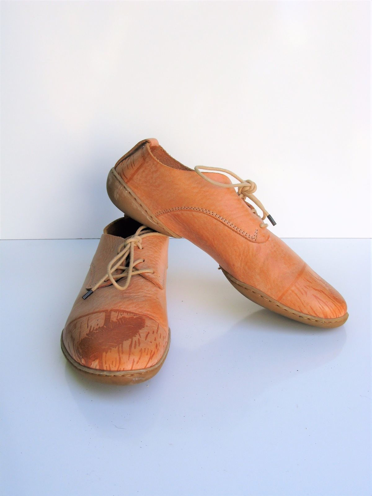 Oxford Lace up Shoes Trippen Feather Etched Leather Lace up Oxford 37 $450 MSRP