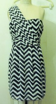 NEW H&M POLYESTER BLACK WHITE CHEVRON ONE SHOULDER PLEATED COCKTAIL DRES... - $39.95
