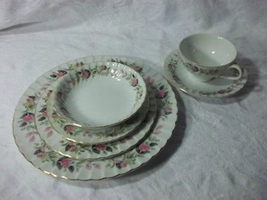 Vintage Dinnerware Creative Regency Rose Dish Set Pink Green White - $119.78