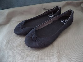 Bobbie Brooks Women's Slip-On Black  Ballet Flats Shoes size 6 - $8.99