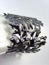 UNIQUE Natural Black Coral Lacquer Enamel Coral Motif Metal Cuff Bracelet - $324,26 MXN