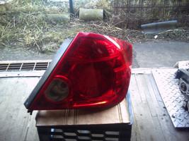 1759  rt tail light thumb200