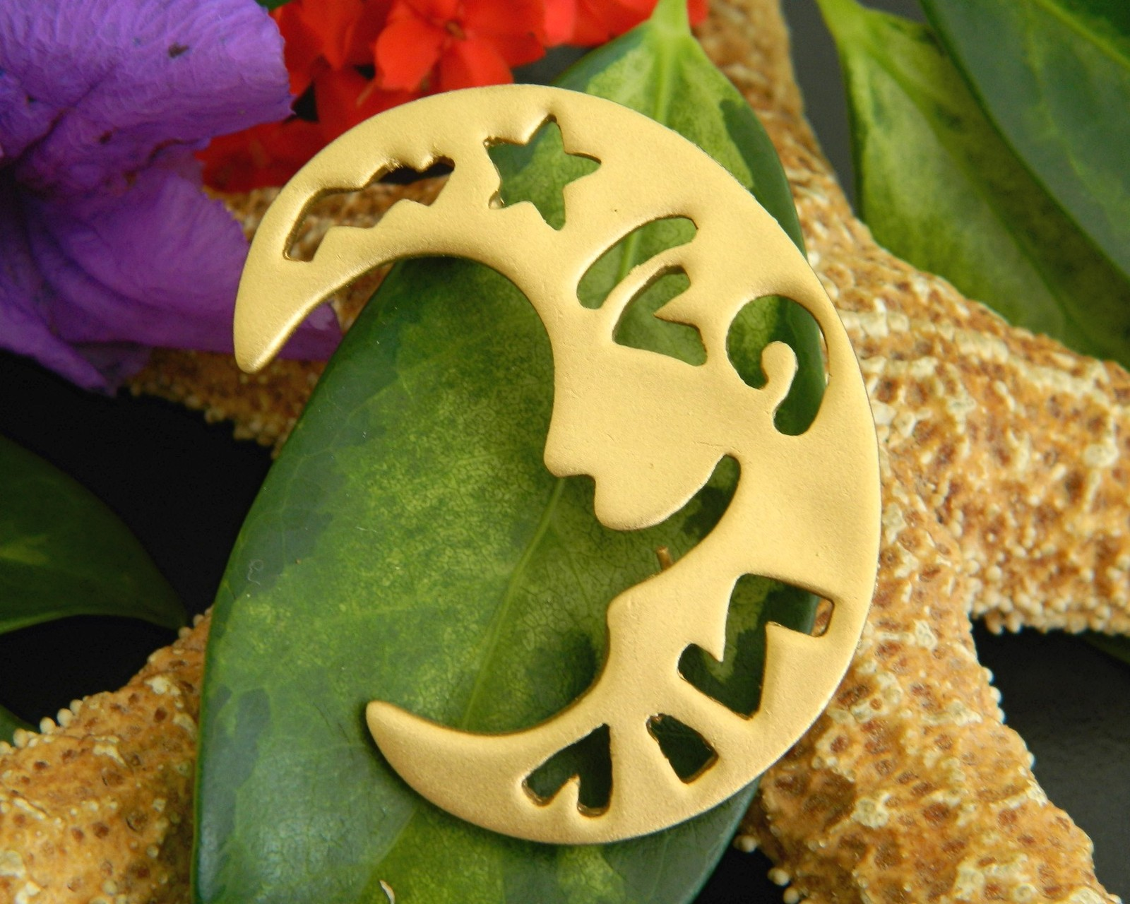 Crescent Man In The Moon Brooch Pin Smiling Face Gold Tone Large
