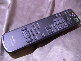 Sony RMT-V182B VHS Tape VCR Remote Control - $7.00