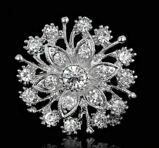 Primary image for Christmas New Year Stunning Diamonte Silver Plated Brooch Pin Broach Gift RR4