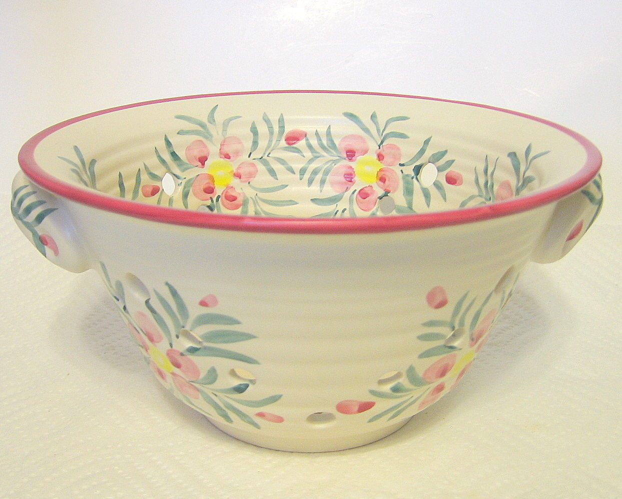 Ceramic Strainer Floral Motif New Debco Made in China