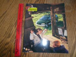 2000 Toyota Sienna Sales Brochures - - Vintage - $10.69