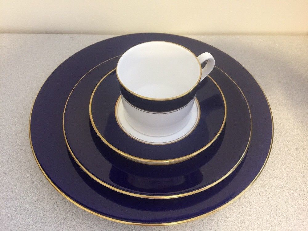 Royal Worcester Ventura Blue Place Setting 1985