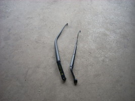 2010 MAZDA 3 RIGHT AND LEFT WIPER ARMS