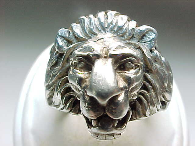 Vintage 14K WHITE GOLD Lion Head Ring -size  7 1/4- Free shipping with Insurance