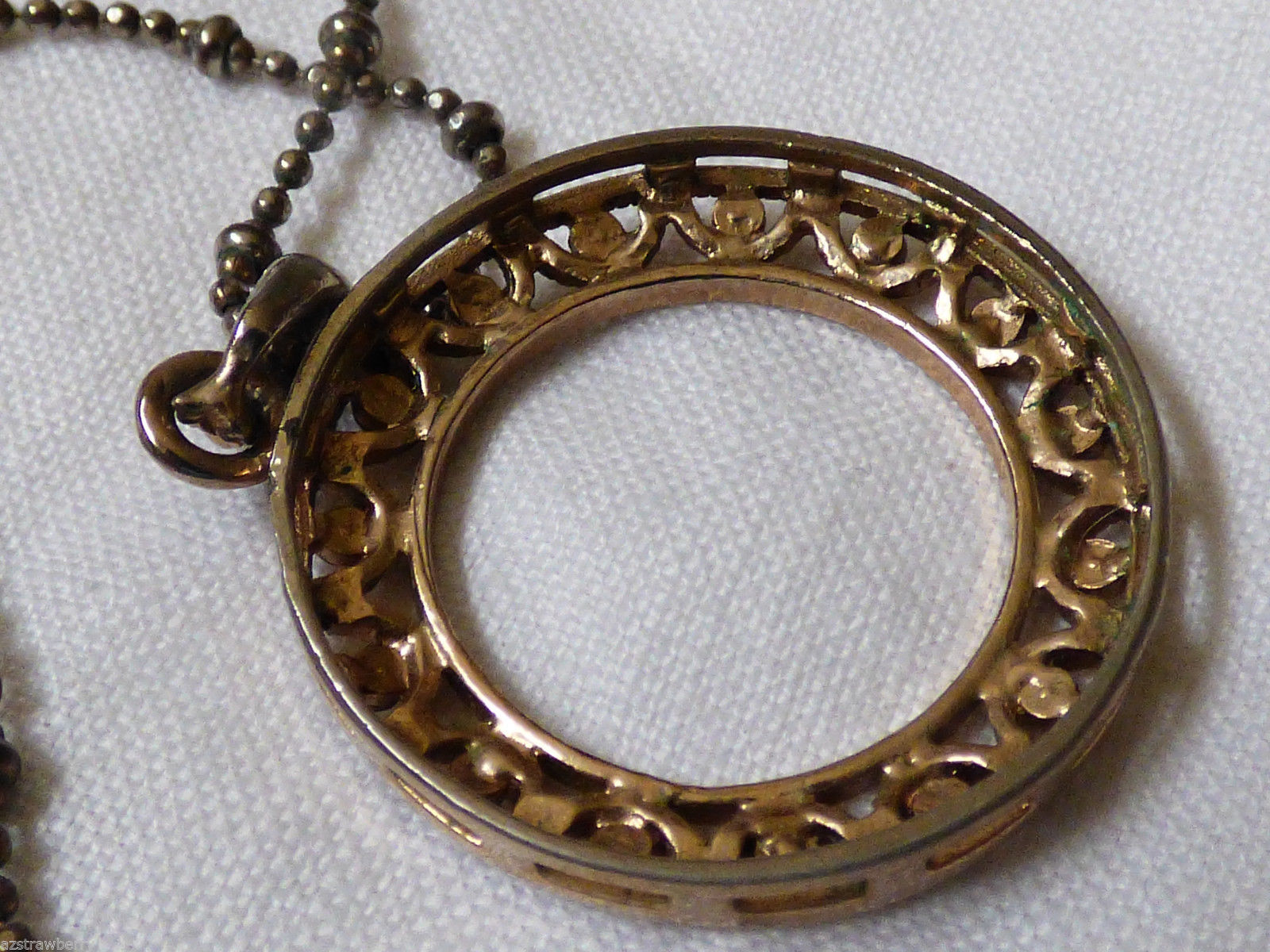 Cookie Lee Fashion Gold tone metal Filagree crystal  Circle design necklace
