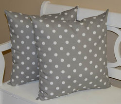 """Set of 2 - Indoor / Outdoor 24"""" Gray and White Ikat Polka Dot Throw Pillows - £50.02 GBP"""