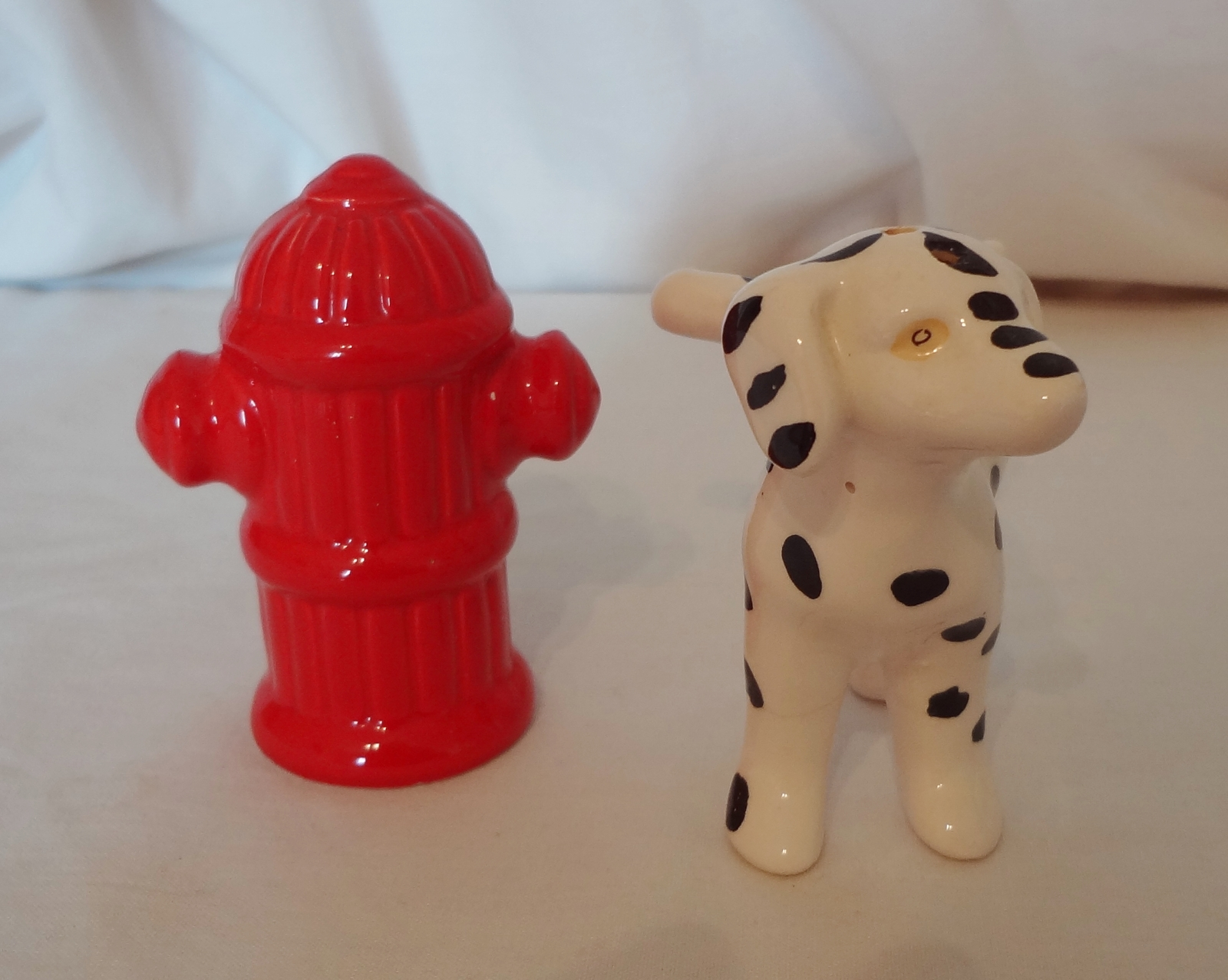 Dalmatian Dog Fire Hydrant Salt And Pepper Shakers Novelty