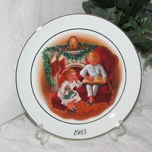ENJOYING THE NIGHT BEFORE CHRISTMAS COLLECTOR PLATE by AVON 1983 CANADA ... - $9.01