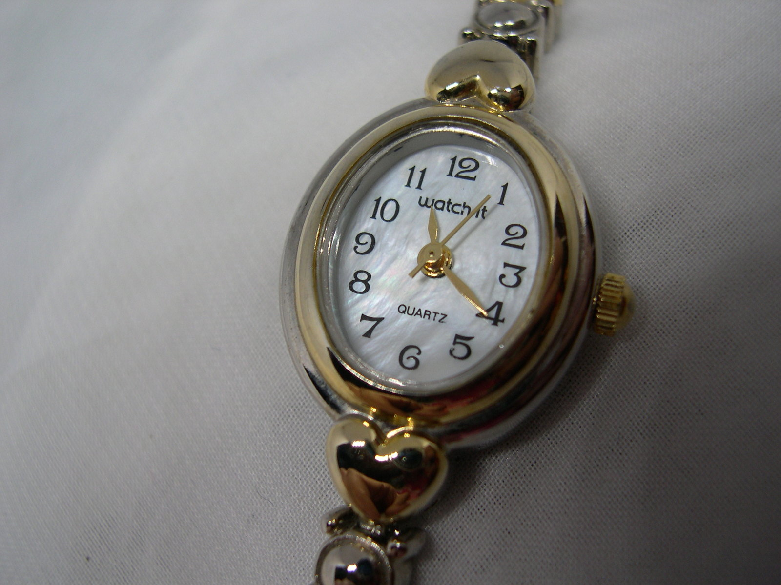 "L40, Watch-it Ladies Dress Watch, MOP Face, 7"" Bracelet band w/hearts wb - $19.99"