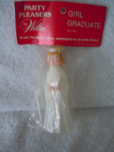 Vintage Wilton Young Women Graduate Figurine In Wrapper - $5.99