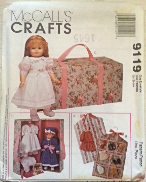 McCall`s 9119  Carry Case & Accessories for 18 Inch Dolls such as American Girl