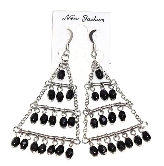 Chandelier earrings black bead