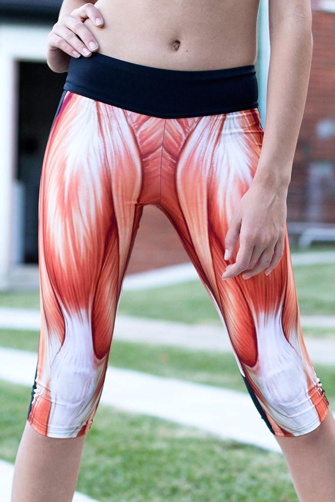 Muscular woman pee pants | Porno photos)