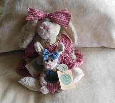 Momma O'Harea and Bonnie -Boyds Bears Bunny  plush archive collection Investment - $34.65