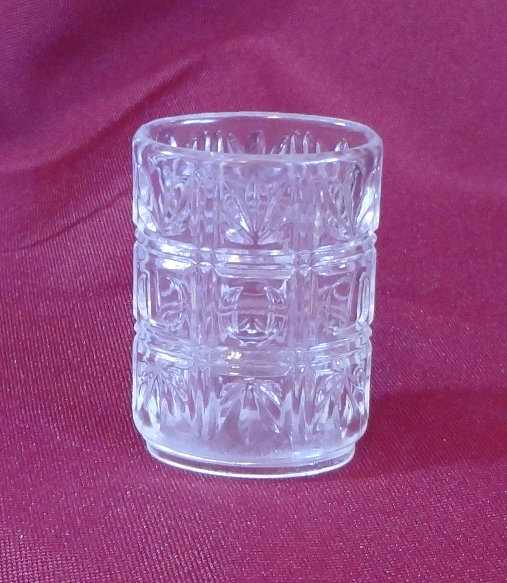 plastic toothpick holder faux crystal cut glass pattern other. Black Bedroom Furniture Sets. Home Design Ideas