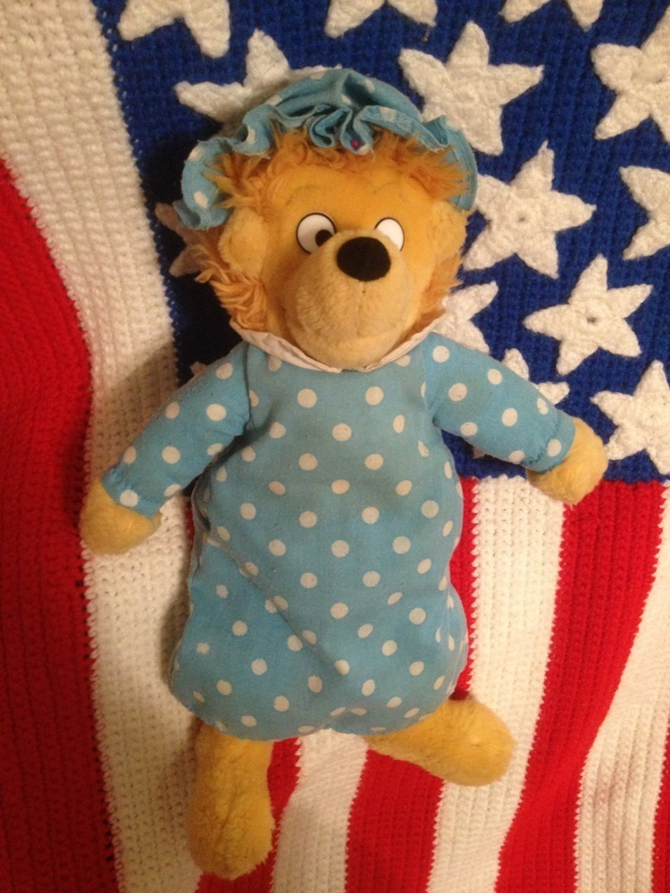 Primary image for Mama bear The Berenstain Bears, plush
