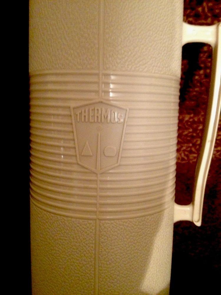Vintage Thermos Model #2402 Quart Size Red & Beige