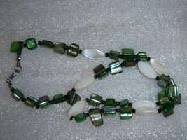 Small Green Dyed Shell Necklace - $12.00
