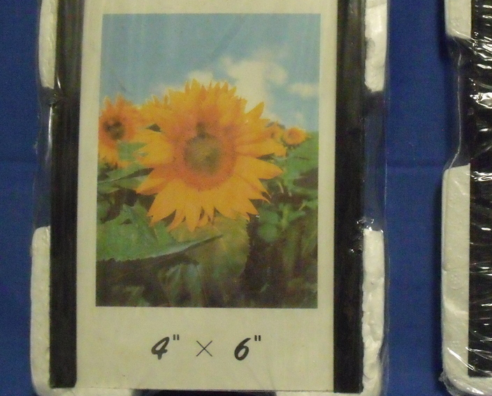 Set of 2 New Magnetic Photo Frames Sizes 4 X 6 and 5 X 7