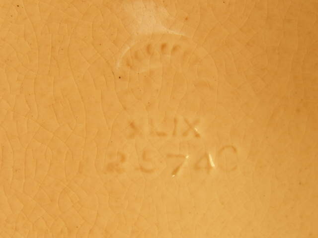 ROOKWOOD LOW BOWL - #2574C - HIGH GLAZE - CIRCA 1949 - (SKU#1267)