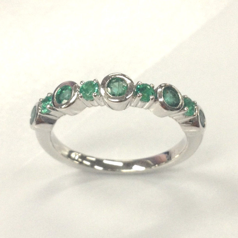 Natural green emerald wedding band14k white gold for Emerald green wedding ring