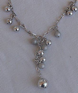 Silver and gray rounds necklcae