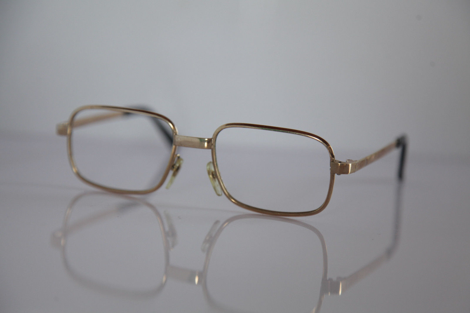 EPIC GILT ARG Eyewear, Gold Frame.