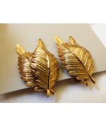 Giovanni Gold Tone Metal Fern Leaves clip on signed  earrings - $20.79