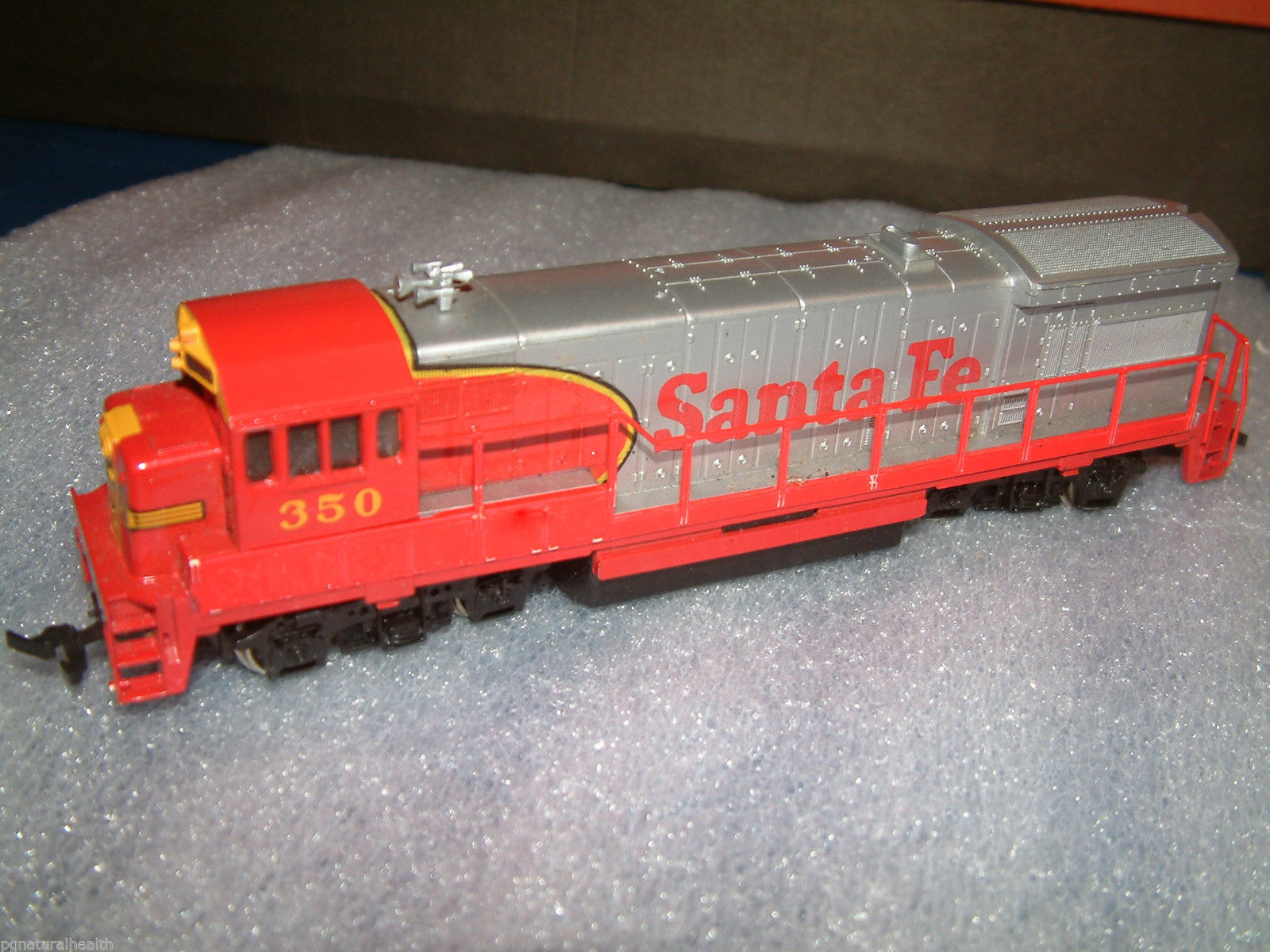 Fe train engine from 1984 bachmann power house yard boss ho train set