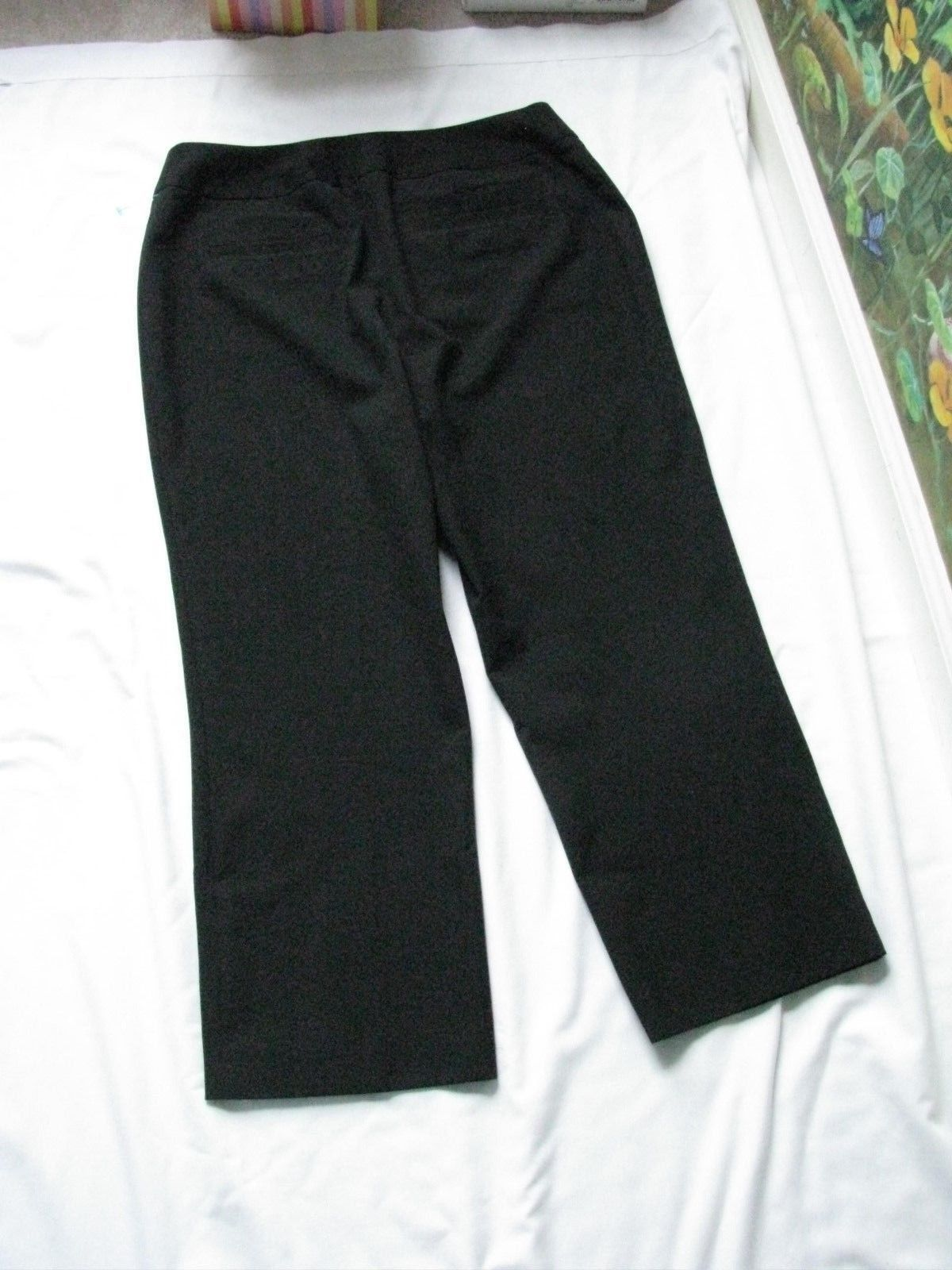 Chico's Women Black  Crop Capri Pants SZ 0