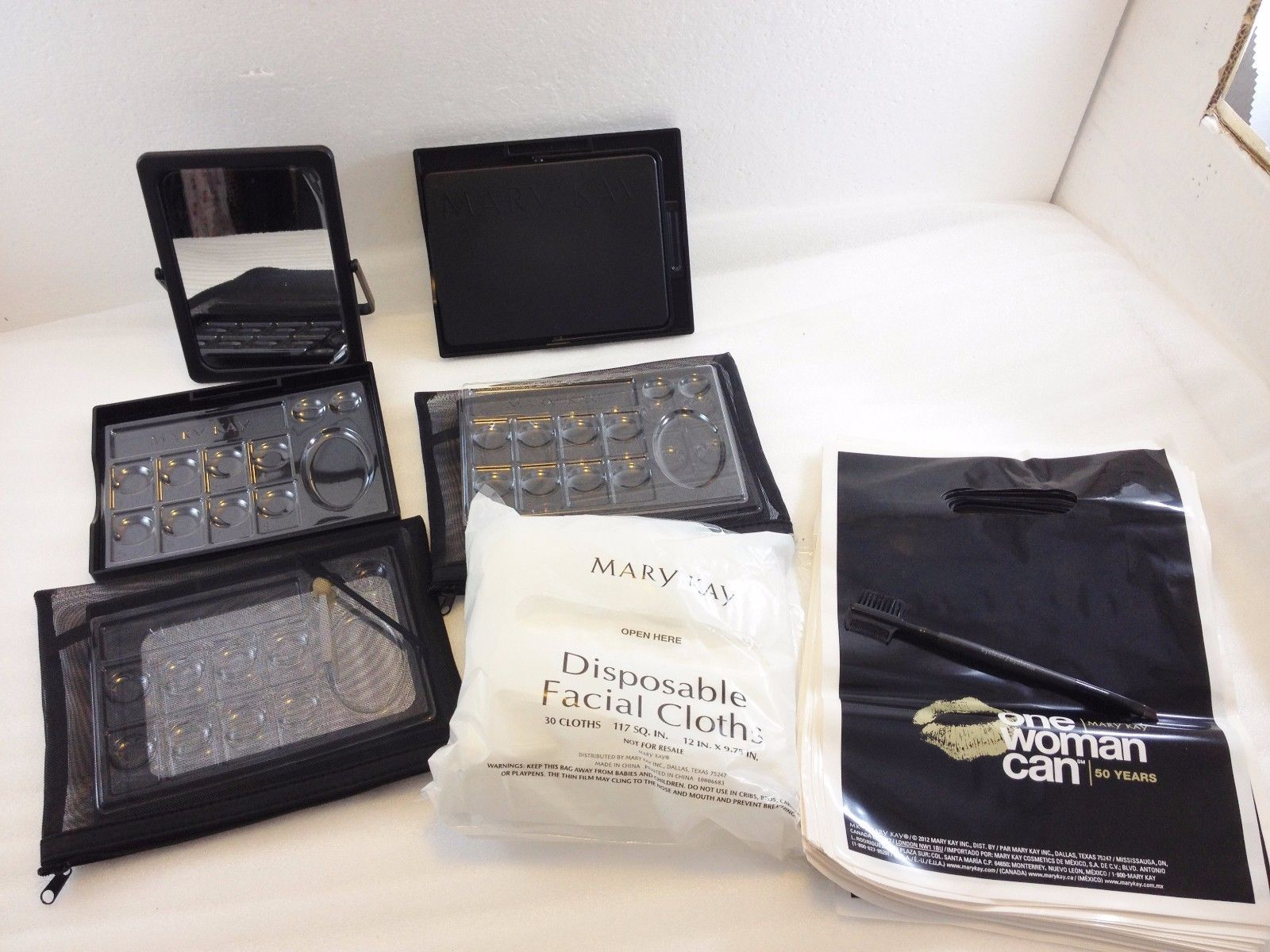 Mary Kay Consultant Large Black & Ivory Tote Bag with Organizer Caddy & Extras
