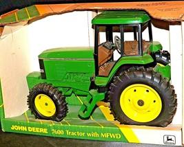 John Deere 7600 Tractor MFWD Replica w/ Box 1/16 Scale AA20-JD2280 Vintage Colle