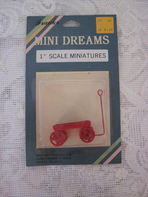 Mini Dreams Little Red Wagon Doll House Shadow Box Holiday Décor